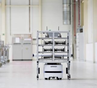 ŠKODA AUTO v závodě ve Vrchlabí používá plně autonomního transportního robota