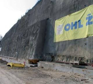 Tunel Mezno na úseku trati Sudoměřice – Votice je proražen